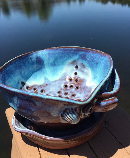 Shell handled Berry bowl