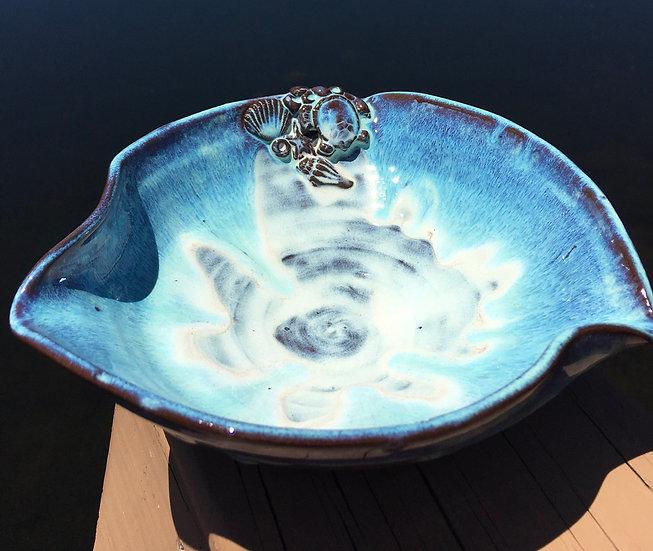 Shallow sea life bowl