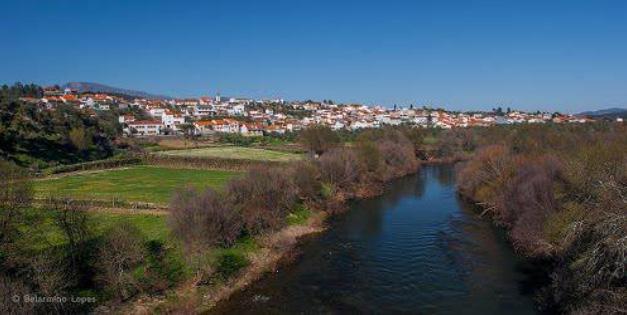 aspecto_parcial_do_rio_zezere_proximo_a_povoação_de_barco.jpg