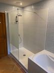 Spacieuse douche à l'italienne dans ma salle de bain principale