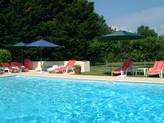Repos à la piscine