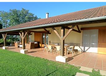 La terrasse couverte de la Villa