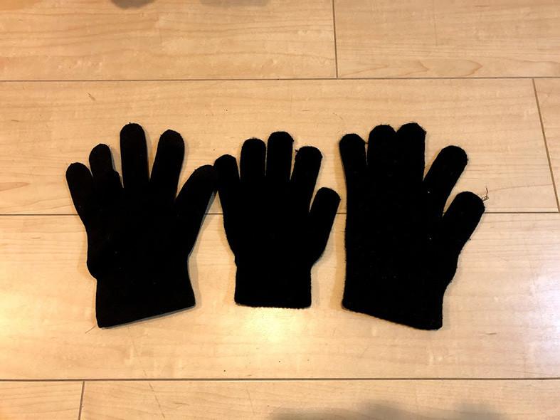 片っぽの手袋 黒色