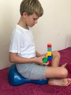 Kind auf Air8 beim Spielen