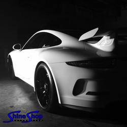 White Porsche GT3