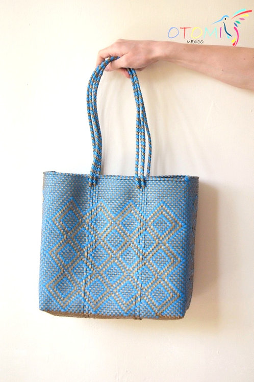 beach bags in blue