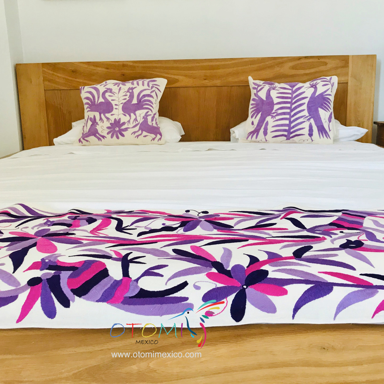 otomi-embroidered_bed-runner_otomi-mexic