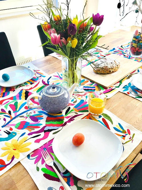 Easter Table Runner Otomi - Multicolor