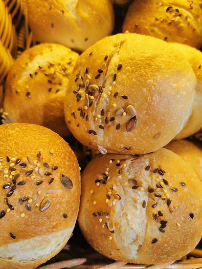 Small seeded roll