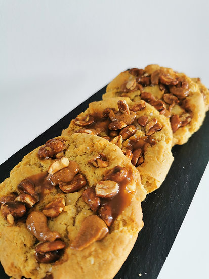 Peanut and Caramel Cookie