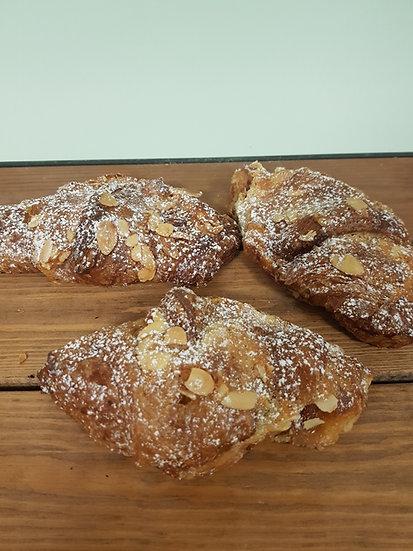 Almond croissant x2