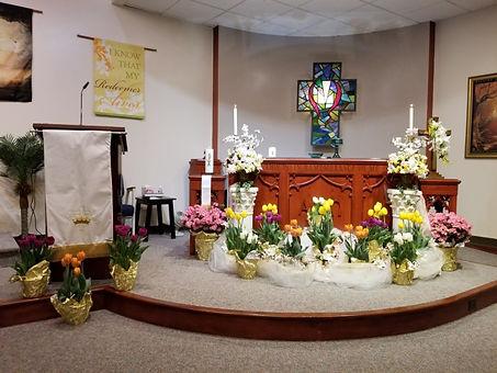 Easter Altar 2019 2.jpg