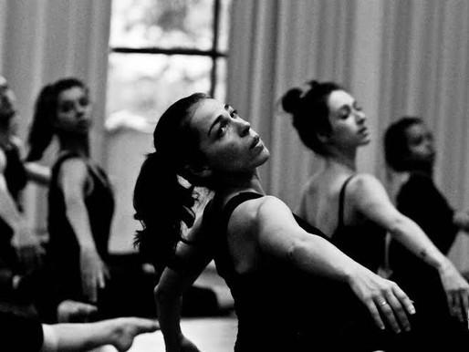 Oficina de Introdução á Dança Moderna com Andrea Raw