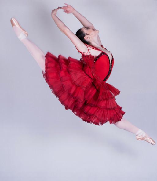 Paula Castro Cia de Dança estreia coreografias com estilo cubano no Teatro Alfa com Thiago Soares