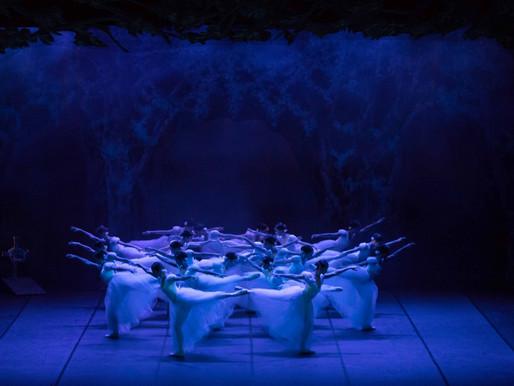 O ballet Giselle encerra a elogiada temporada 2019 do Theatro Municipal do RJ.