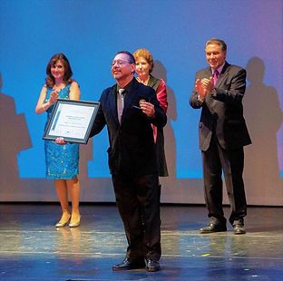 1 Premio Una Vida en la Danza Angel Ciro