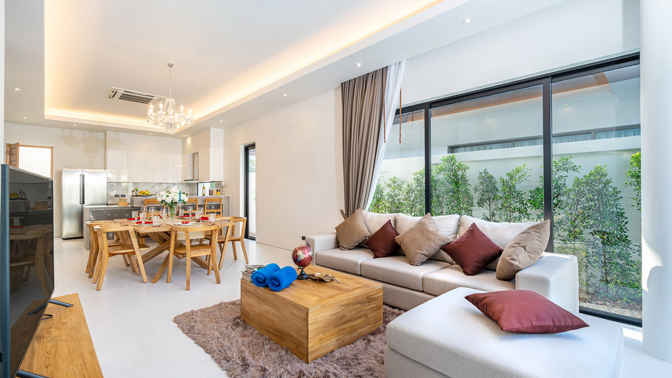 spacious-open-plan-living-room-and-dinin