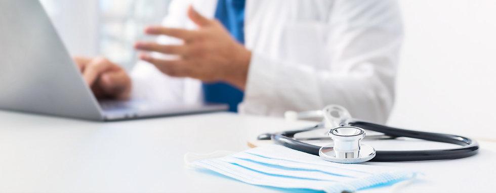 online-medicine-concept-stethoscope-medi