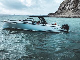 Saxdor 320 GTO in acqua