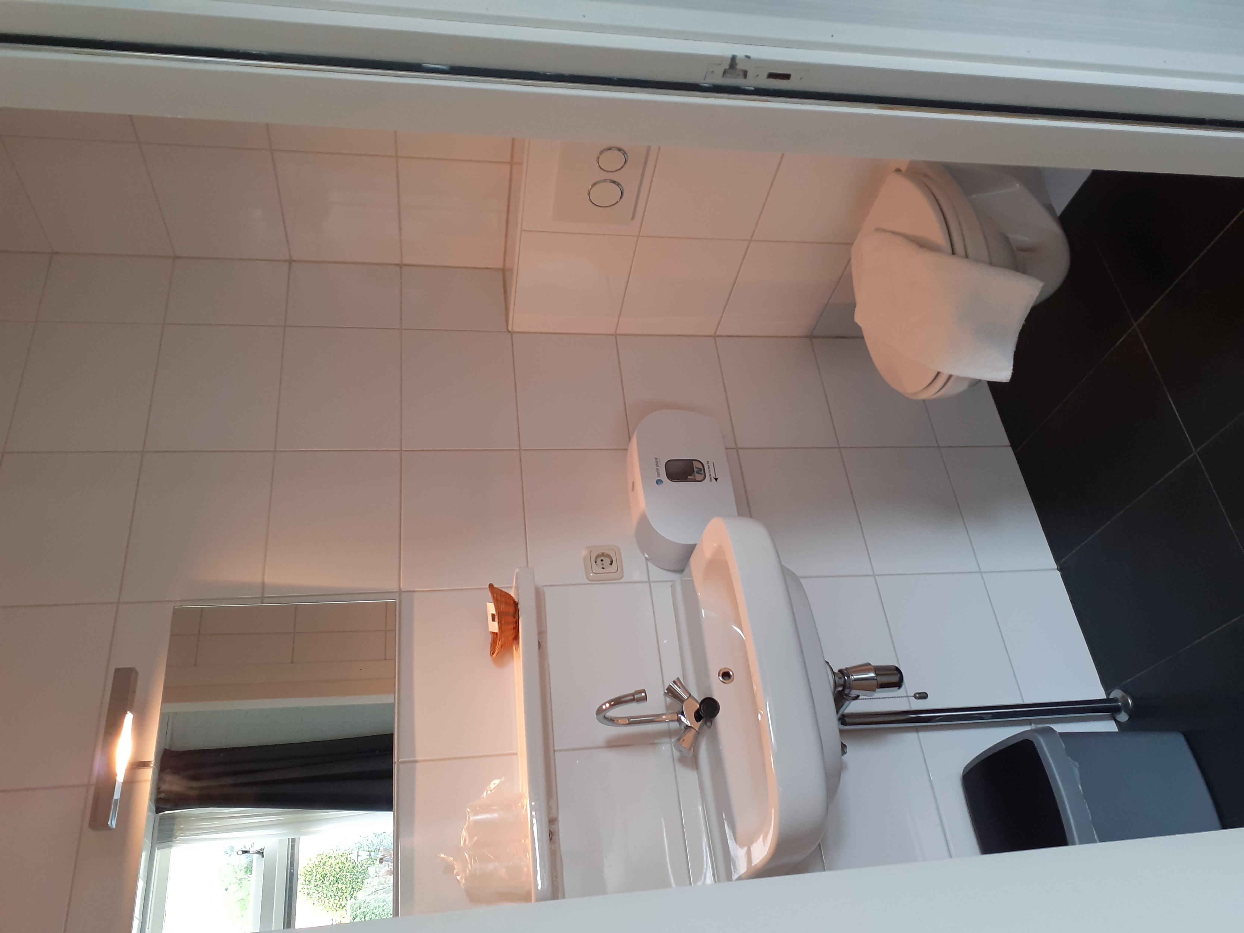 Badkamer kamer 12