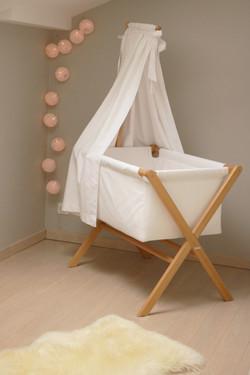 chambre-bébé-berceau-coton-blanc