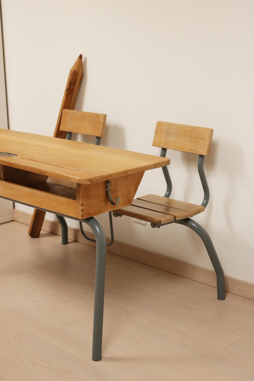 Ancien bureau d'école - bois métal