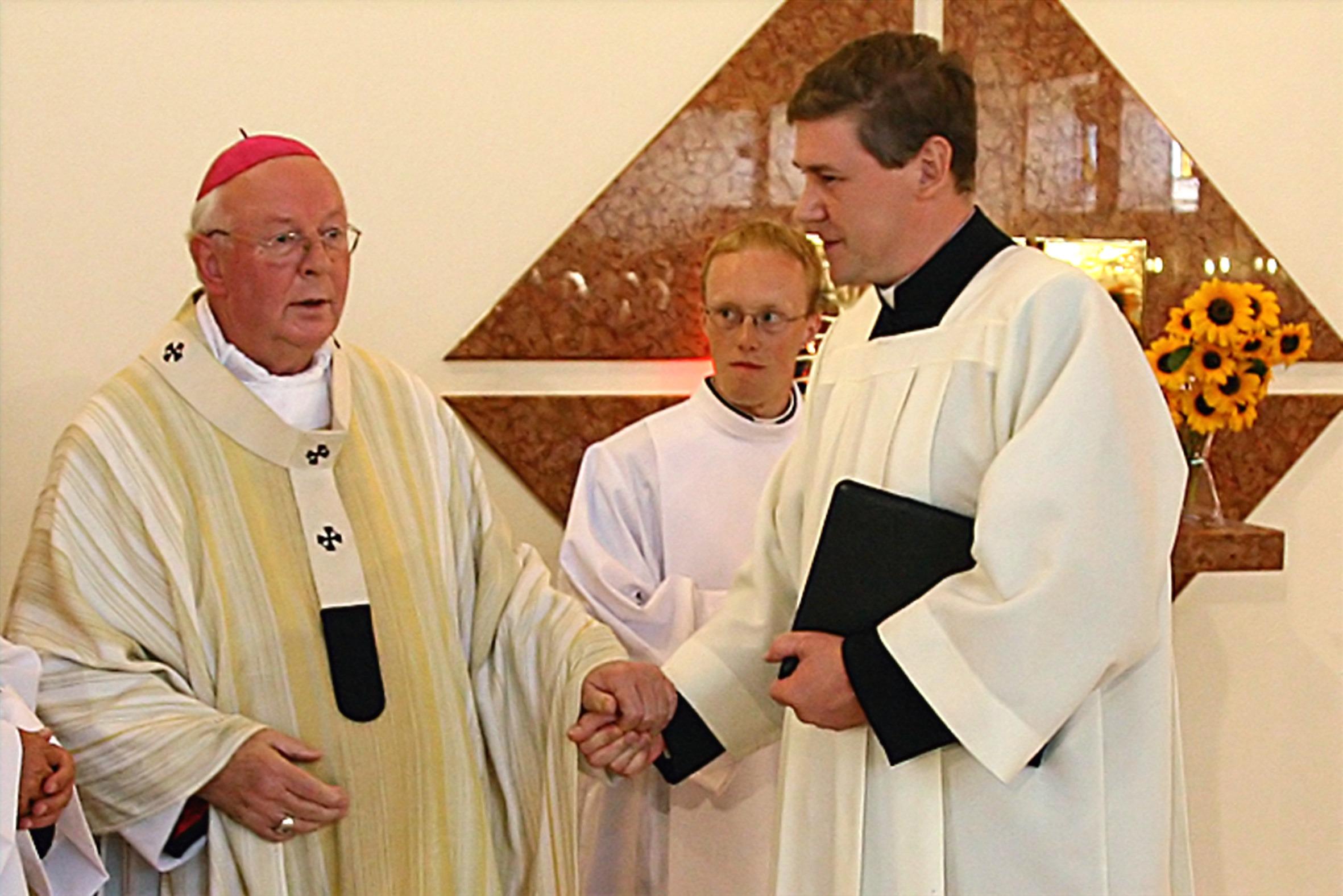 Przekazanie parafii relikwii św