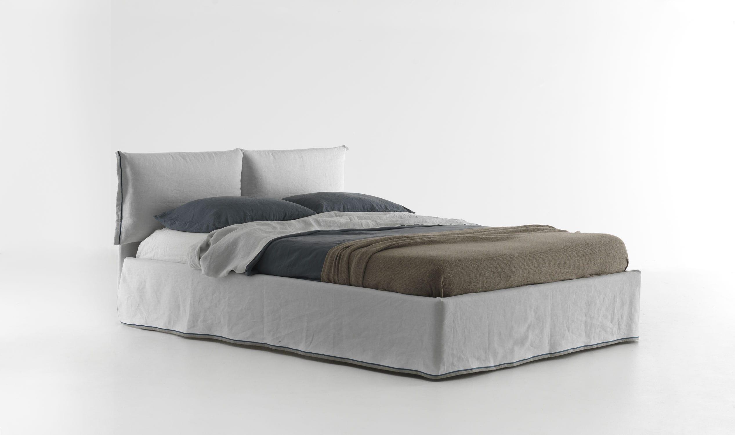 Кровать с мягким изголовьем Lorca