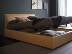 Кровать с мягким изголовьем Elios