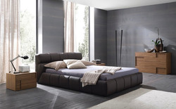 Кровать с высоким изголовьем Tufty