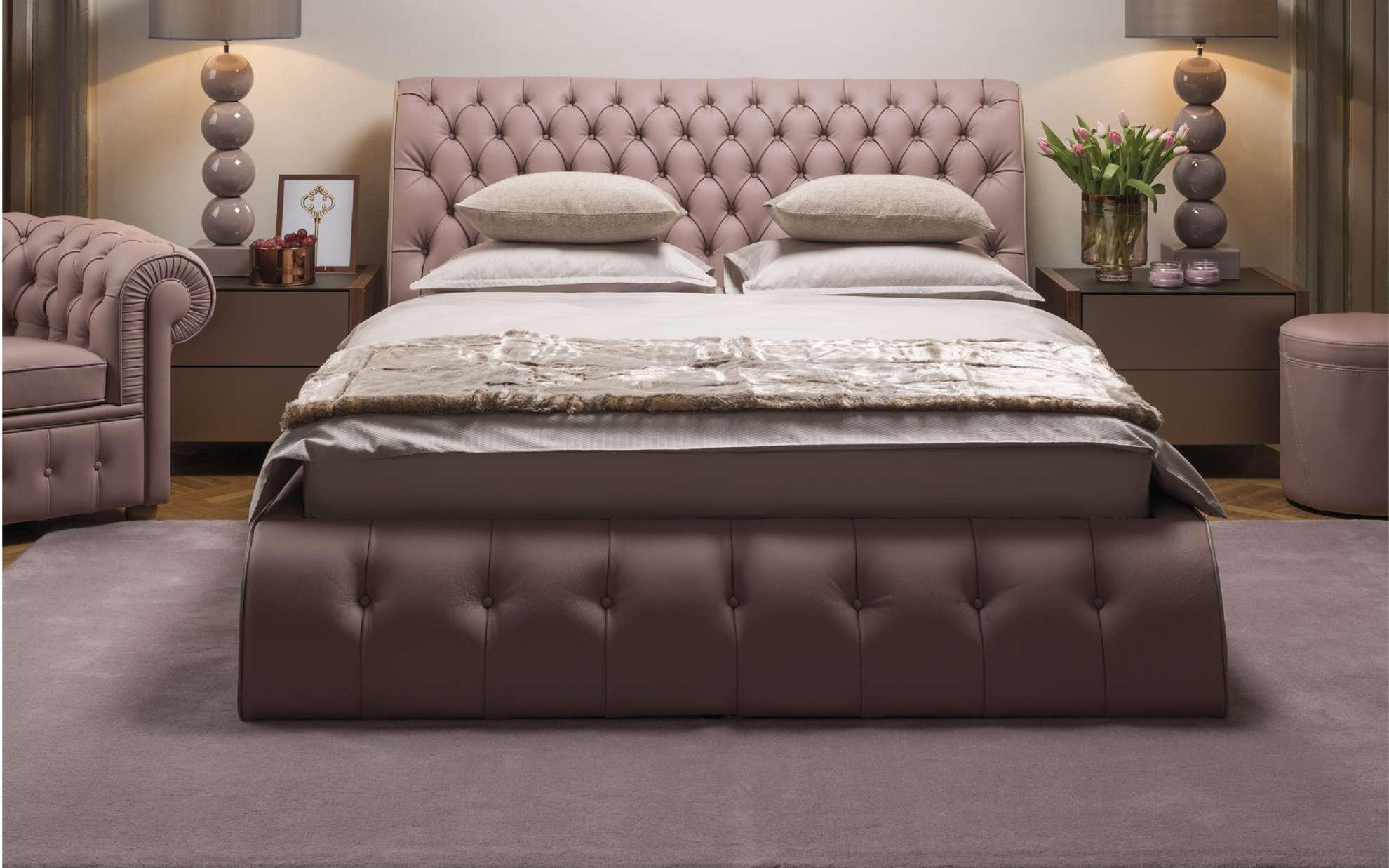 Кровать с высоким изголовьем CHESTER