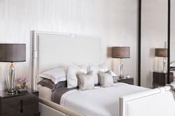 Кровать с высоким изголовьем HOLLAND