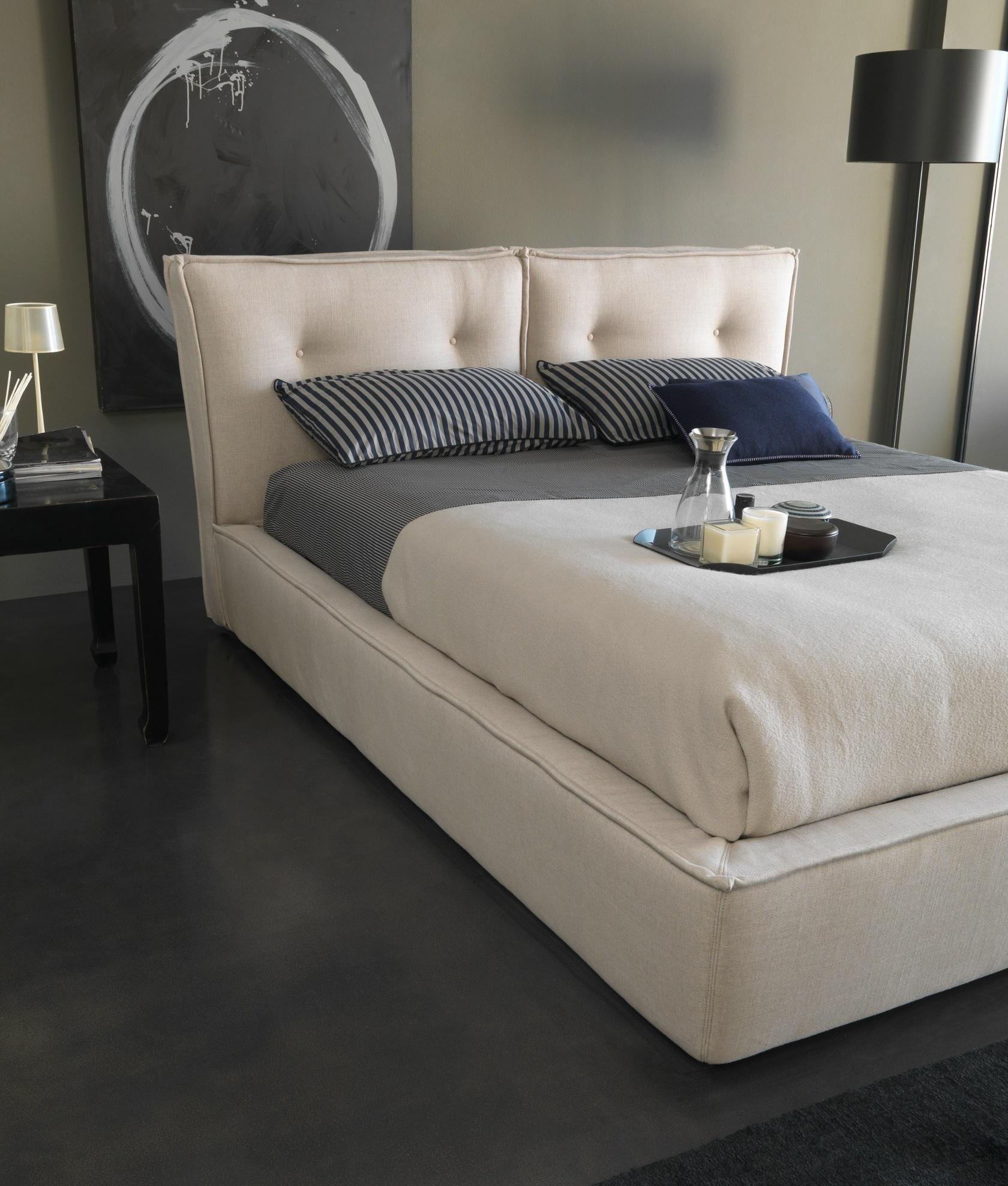 Кровать с мягким изголовьем Bee