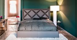 Кровать с высоким изголовьем PATRICK
