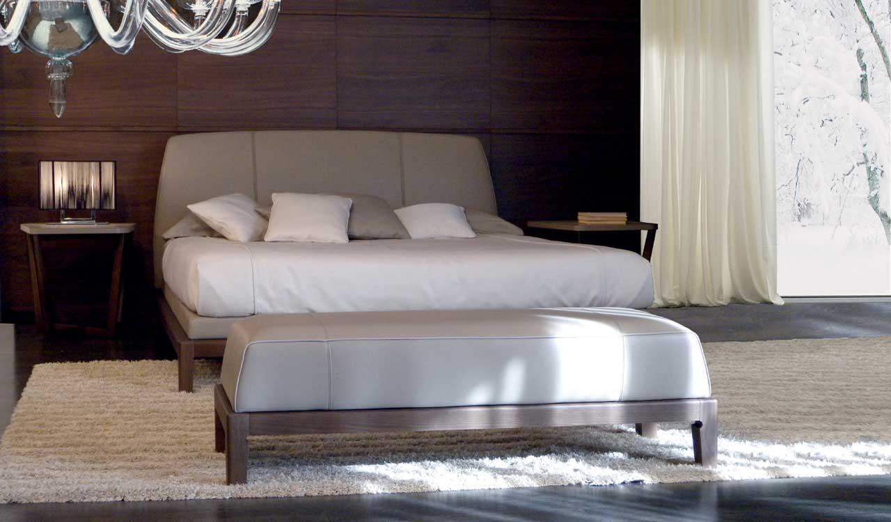 Кровать с высоким изголовьем Lavinia