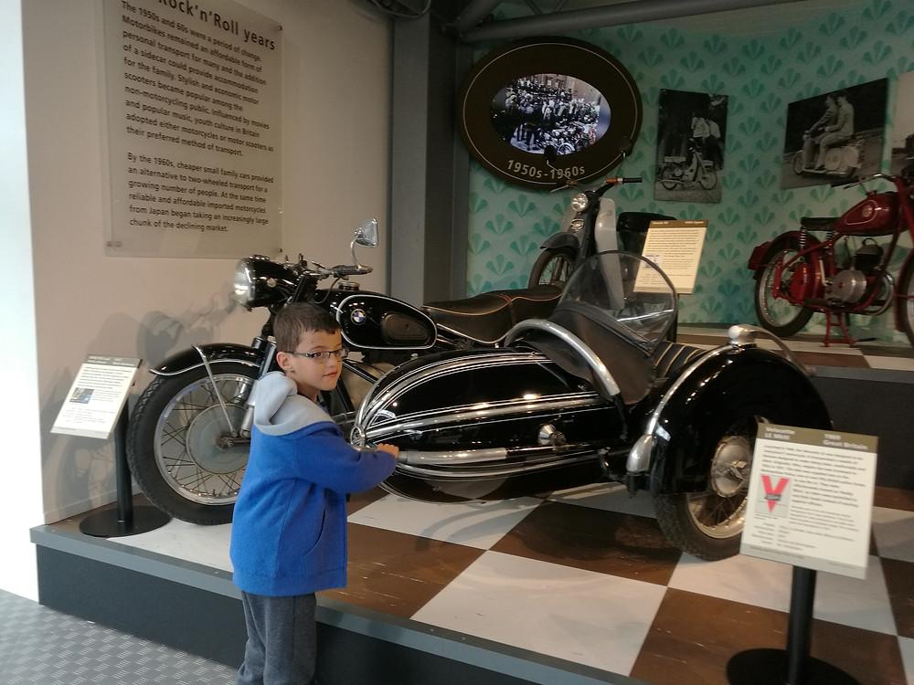 מוזיאון הרכב הלאומי בביולי, אנגליה