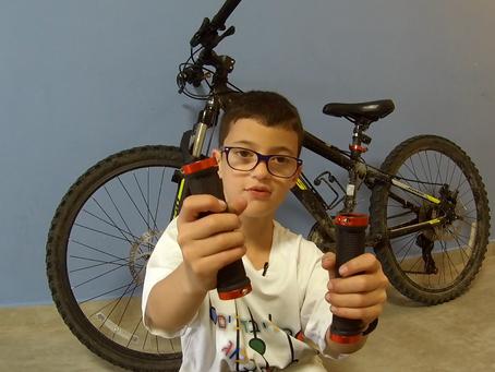 שדרוג אופניים לילדים. איך לשים גריפים עם נעילה.