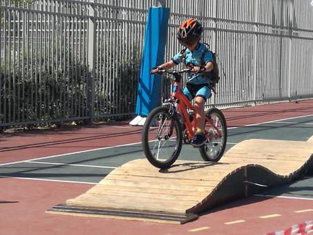 לרכוב על אופניים במודיעין