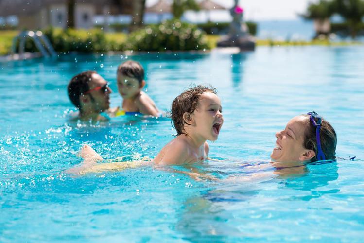 สระว่ายน้ำ.jpg