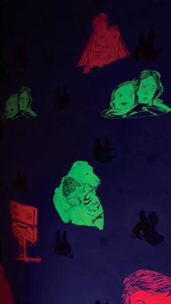 papier peint, fluo, lumière noire