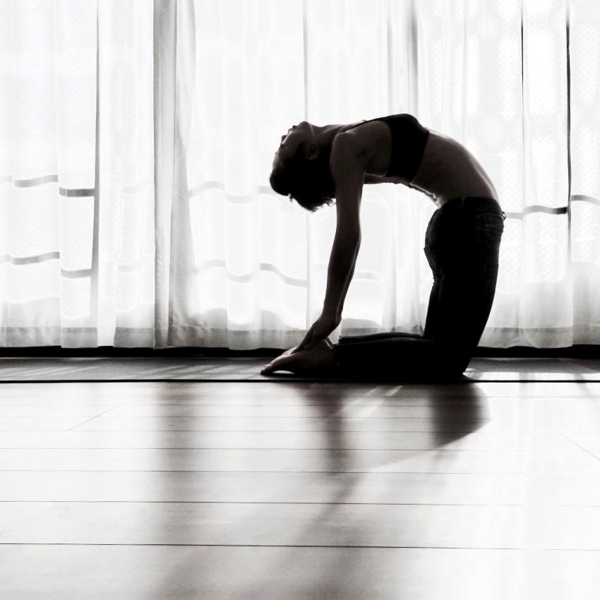 Yoga_Ustrasana