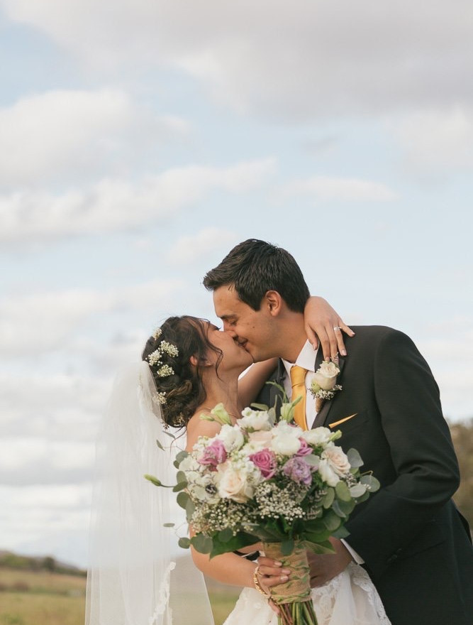 Photographer: Phong Photograpy, Inc. Florals: Jaclyn Hovemeyer