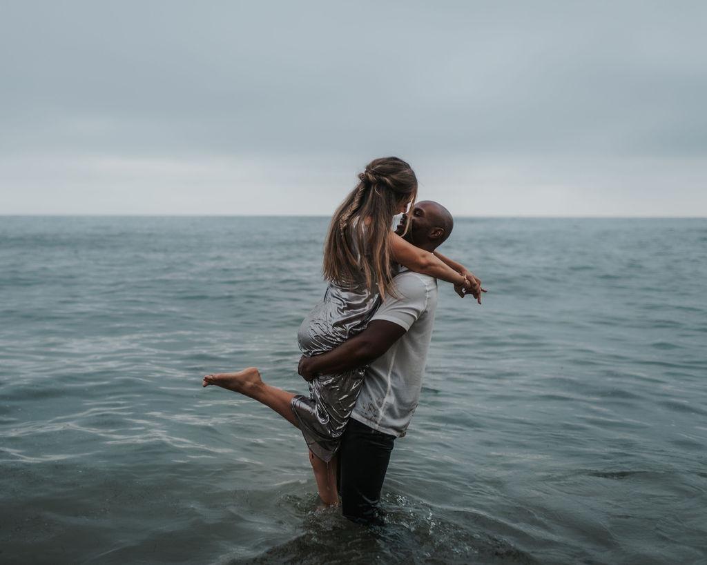 Photographer: Kylie Flood Couple: Sara + Tony