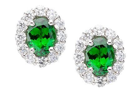 E01086 IMG_0265 Earrings3000x2000.jpg