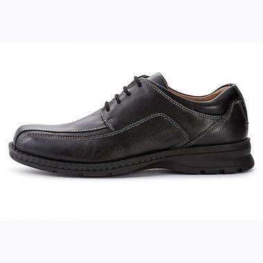 Mens Shoe .jpg