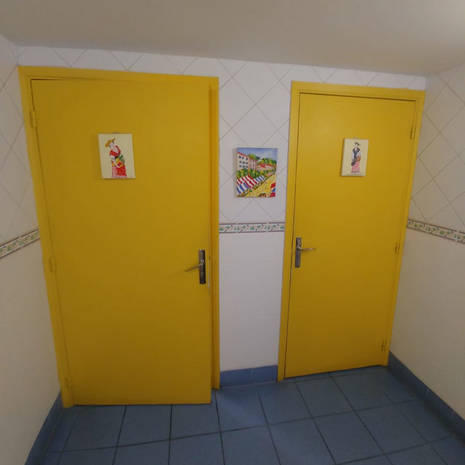 Sterenn_toilettes_nicoises.jpg