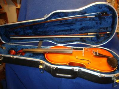 """Knilling Prague 15"""" Viola Outfit"""