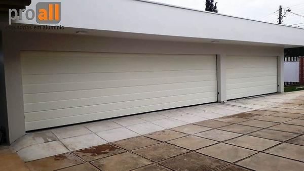 portão-automatico-seccionado-branco-alto