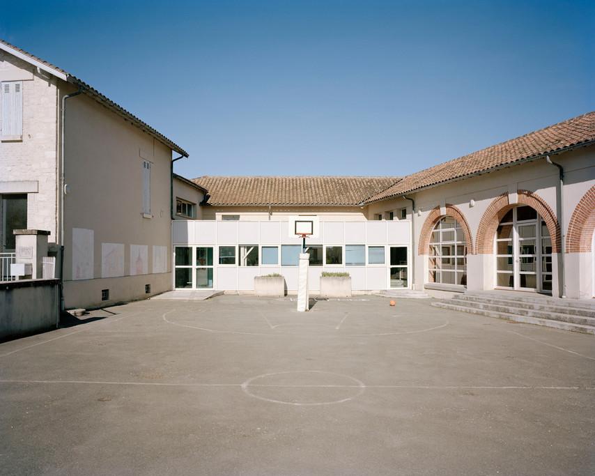 Cour de l'école primaire