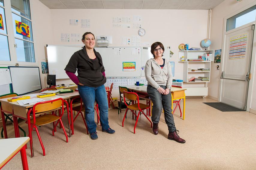 Christine et Julie: Maitresses en école maternelle
